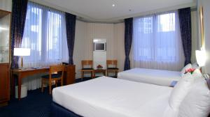 Standard Twin Room with 2 Double Beds