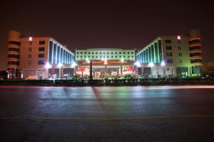 Photo of Al Khobar Crom Hotel