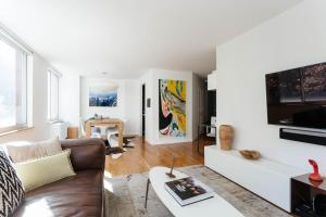 Two-Bedroom Apartment - Elmwood Place II