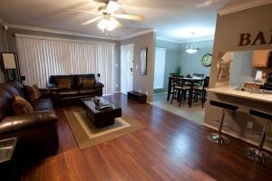 Photo of Hangout, Apartment At Scottsdale