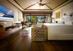 Garden Ocean Terrace Room with King Bed