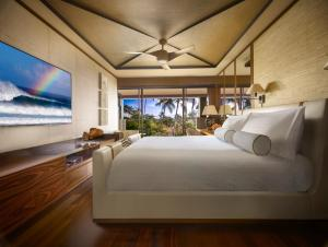 Garden Ocean View Suite with King Bed
