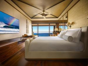 Prime Ocean Front Terrace Room with King Bed