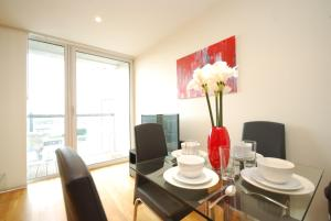 Valet Apartments Cobalt Point in London, Greater London, England