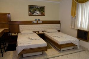 Standard Double or Twin  Room with Spa Bath