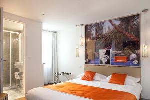 Classic Double Room with Courtyard View