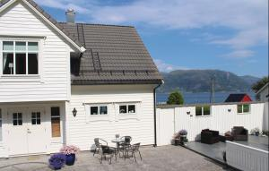 Photo of Holiday Home Stadlandet With A Fireplace 04