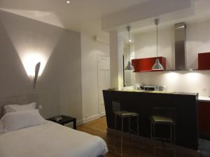 Luxury Designer Studio by the Champs Elysees, Apartmány  Paríž - big - 2