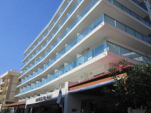 Manousos City Hotel
