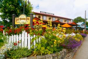 Photo of Salt Spring Inn Ltd