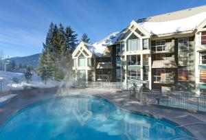 Photo of Woodrun Lodge By Whistler Accommodation
