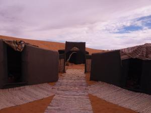 Camel Bivouac Merzouga, Luxury tents  Merzouga - big - 22
