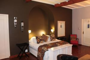 Luxury Twin Room - African Sunset