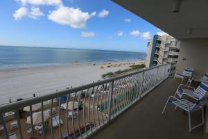 One-Bedroom Suite - Gulf and Pool View (Two Balconies)