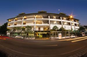 Photo of Siam Triangle Hotel