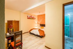 Double Room with Garden View and Private Bathroom