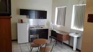 Suite 1 with Kitchenette