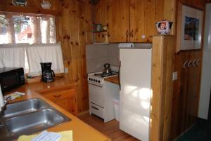 Two-Bedroom Cabin (6 Adults)