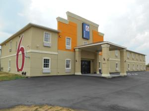 Photo of Motel 6 Jourdanton