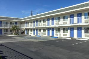 Motel 6 Phoenix Airport - 24th Street, Hotels  Phoenix - big - 11