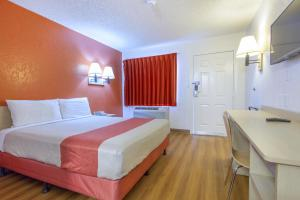 Motel 6 Phoenix Airport - 24th Street, Hotels  Phoenix - big - 4