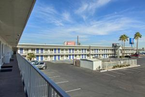 Motel 6 Phoenix Airport - 24th Street, Hotels  Phoenix - big - 20
