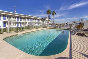 Motel 6 Phoenix Airport - 24th Street, Hotels  Phoenix - big - 18