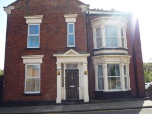 Mowbray Guest House in Sunderland, Tyne & Wear, England