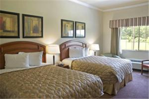 Queen Room with Two Queen Beds and Bathtub - Disability Access/Non-Smoking