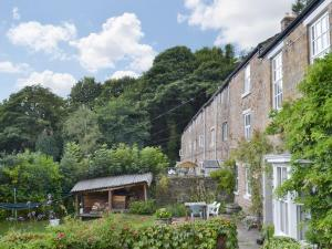 Summerbottom Cottage in Mottram, Greater Manchester, England