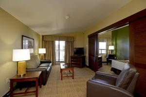 Two-Bedroom Suite with Two King Beds