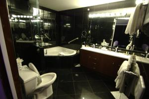 Executive Business Queen Suite