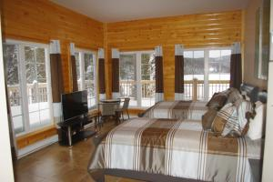 Superior Double Room with Lake View 1