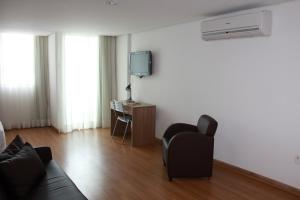 Studio (up to 3 Adults)