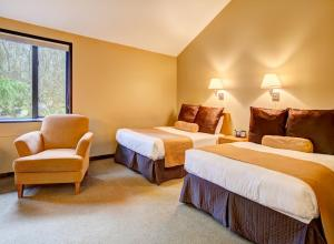 Cascade Room with Two Double Beds