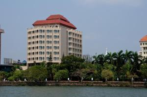 The Gateway Hotel Marine Drive