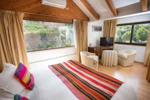 Standard Double Room with Street View