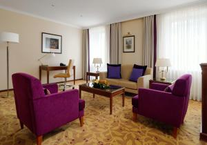 Junior Suite with Lounge Access