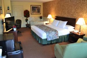 Leisure King Suite with Spa Bath