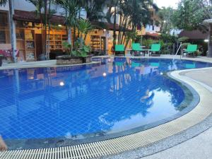 Khaolak Grand City