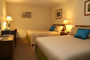 Superior Room with Two Double Beds