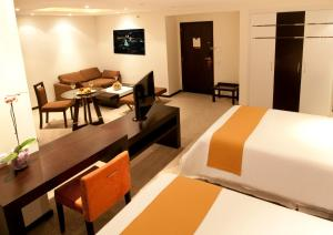 Deluxe Suite - 2 single beds
