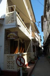 Photo of Narrow Street Hotel