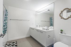 2 High-End 1-Bedroom Suite 2 (with air mattress on request)