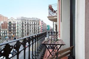 Two-Bedroom Apartment with Balcony- Arago, 151