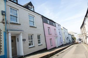 Photo of Padstow Breaks – Cottages & Apartments