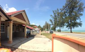 Photo of Anggun Beach Guest House