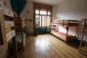 DownTown Hostel, Hostely  Temešvár - big - 75