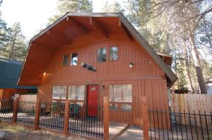 Photo of 3689 Spruce Avenue Holiday Home