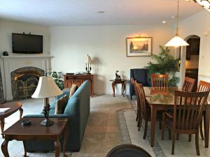 King Suite with Terrace - Pet Friendly